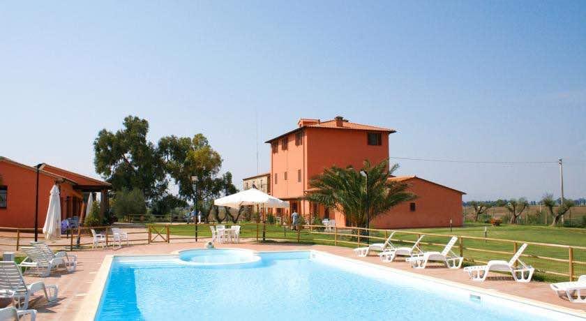 Kleine Ferienanlage Toskana auf einem biologischen Weingut ca. 5 km vom Meer
