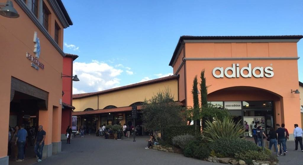 Reisetipps Center Outlet Shopping Und Florenz Toskana qULMVpGzS